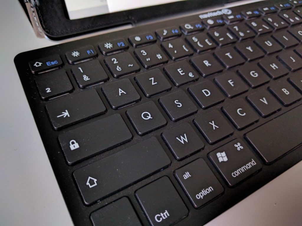 clavier-azerty-bluetooth-3